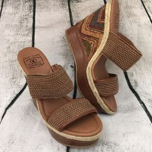Lucky Brand 5 inch wedge with fall color colors! 8
